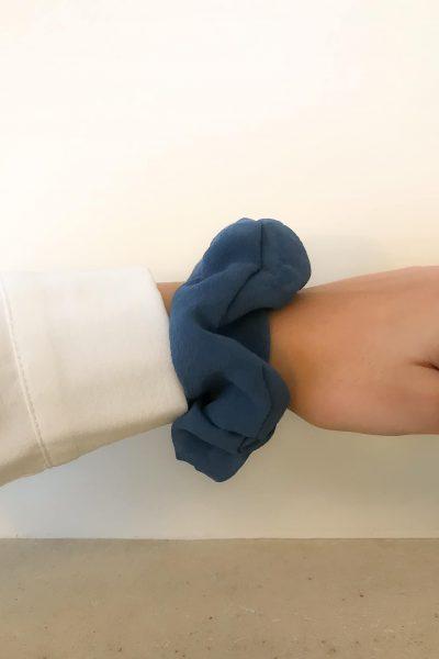 Chouchou en soie bleu clair