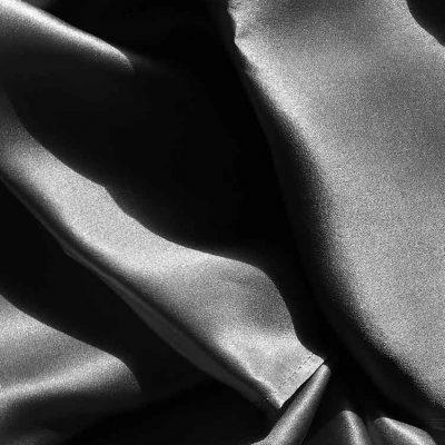 Chouchou en soie, chouchou xxl, gros chouchou en soie, chouchou made in france, chouchou en crêpe de soie violet iris, Coffret cadeau de trois chouchous en soie personnalisable L'étoffe de Saba, chouchou en soie pure et naturelle made in france, chouchou made in france, chouchou en soie, chouchou, chouchou made in France, Chouchou en satin de soie noir intense