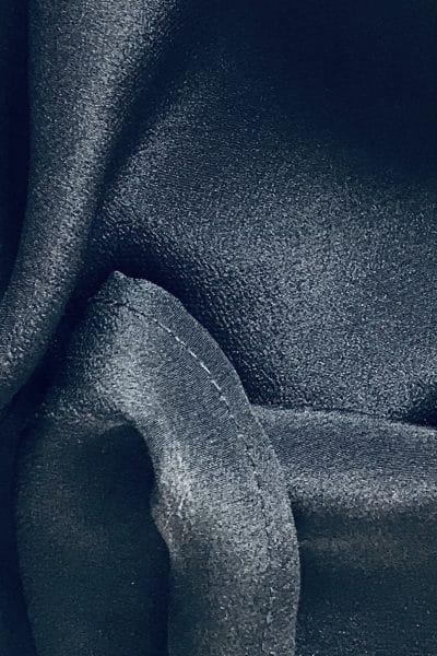 Crepe de soie noir