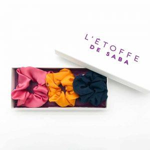 Coffret cadeau de trois chouchous en soie personnalisable L'étoffe de Saba, chouchou en soie pure et naturelle made in france, chouchou made in france, Chouchou en soie, chouchou xxl, gros chouchou en soie, chouchou made in france, chouchou en crêpe de soie violet iris, Coffret cadeau de trois chouchous en soie personnalisable L'étoffe de Saba, chouchou en soie pure et naturelle made in france, chouchou made in france, chouchou en soie, chouchou, chouchou made in France,