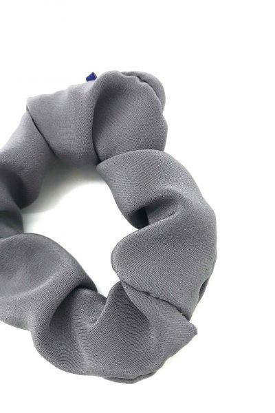 Chouchou en crêpe de soie gris