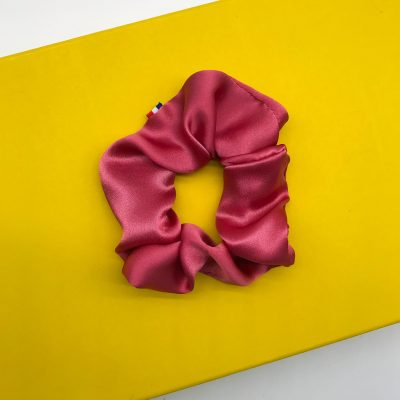 Chouchou en satin de soie rose framboise